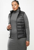 STYLE REPUBLIC PLUS - Quilted gillet - black