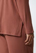 Superbalist - Roll neck soft touch top - dark pink