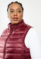 STYLE REPUBLIC PLUS - Quilted gillet - burgundy