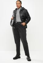 STYLE REPUBLIC PLUS - Long sleeve quilted puffer - black