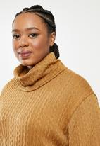 Me&B - Plus caramel cowl neck cable knit top with bellow sleeve - brown
