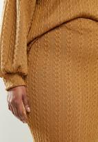 Me&B - Plus caramel cable knit pencil skirt - brown