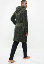 Brave Soul - Camo dressing gown - khaki
