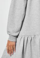 Superbalist - Long sleeve tiered sweat dress - light grey