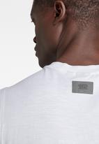 G-Star RAW - Graphic stitch detail tank - white