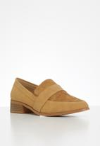 POLO - Cara pointed loafer - camel