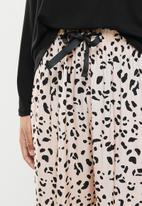 Superbalist - Long sleeve fitted top & pants set - black & blush