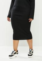 Missguided - Plus ribbed midaxi skirt co ord - black