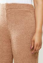 Missguided - Plus popcorn wide leg trousers co ord - brown