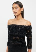 GUESS - Off shoulder kristy top - black
