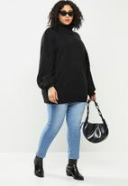 Missguided - Plus roll neck cable sleeve jumper - black