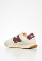 New Balance  - 237 - white & burgundy