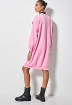 Superbalist - Dropped shoulder oversize sweat dress - pink