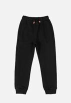 Quimby - Sweatpants with quilted details - black