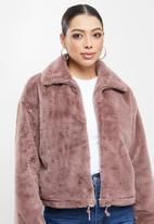 Missguided - Faux fur bomber jacket - mauve