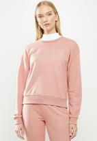 GUESS - Bey crew active top - light pink