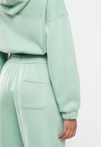 Blake - Cropped hoodie with elastic - sage