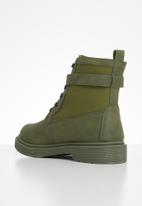 Seduction - Buckle lace up hiking boot - olive