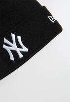 New Era - Knit mlb essential cuff neyyan - black