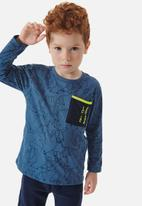 UP Baby - Boys tee with pocket - blue