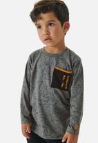 UP Baby - Boys tee with pocket - grey
