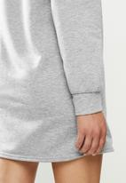 Missguided - Shoulder pad sweater dress - grey
