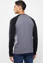 urban° - Mens urban long sleeve Raglan T-shirt - grey