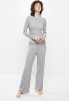 Superbalist - Sleep top & wide leg pants set - charcoal