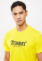 Tommy Hilfiger - Tjm gradient tommy tee - yellow