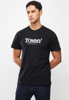 Tommy Hilfiger - Tjm gradient tommy tee - black