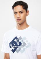 DC - Logo ballad short sleeve tee - white