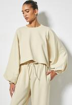 VELVET - Cropped fleece sweatshirt dollman sleeve - cream