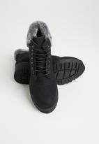 Seduction - Faux fur hiking boot - black