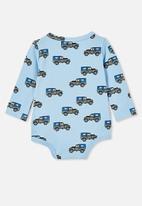 Cotton On - The long sleeve bubbysuit - skye haze/beep beep