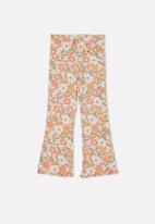 Cotton On - Francine flare pant - crystal pink/retro blooms
