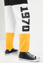 Kaizer Chiefs - Urban Edition - Kcfc colour blocked joggers - multi