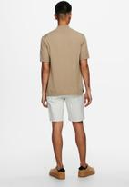 Only & Sons - Avi quater zip knit - brown