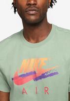 Nike - Nsw dna futura tee - green