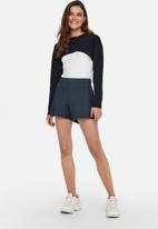 ONLY - Nella shorts - blue