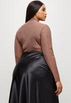 MILLA - Ribbed V-neck bodysuit - brown