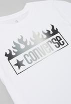 Converse - Cnvb flames multi gradient tee - white