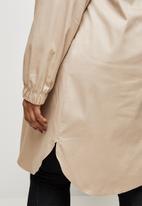 edit Plus - Hooded curved hem jacket - nude