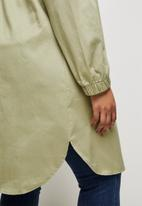 edit Plus - Hooded curved hem jacket - olive
