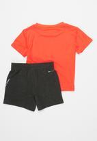 Nike - Nike boys comfort dri-fit short set - black & pink