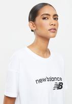 New Balance  - Classic core logo tee - white