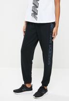 New Balance  - Sport style optiks fleece pants - black