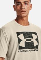 Under Armour - UA abc camo boxed logo short sleeve tee - cream