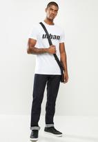 urban° - Mens urban T-shirt - white