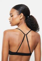 Cotton On - Seamfree triangle bralette/high cut brasiliano set - black
