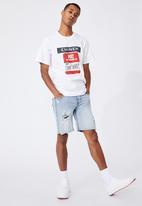 Cotton On - Tbar collab icon T-shirt - white